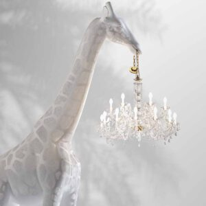 Magentashop-53-qeeboo-giraffe-in-love-4-meters-by-marcantonio